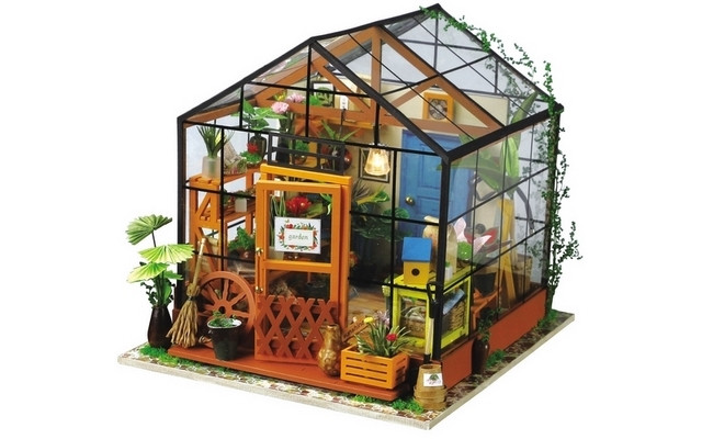 Wooden DIY House - Cathy's Flower House