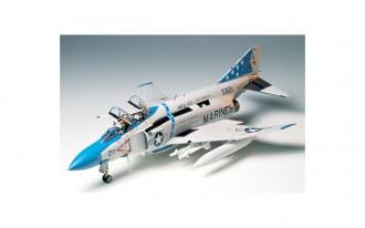 1/32 McDonnell Douglas F-4J Phantom II