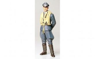 1/16 WWII German Luftwaffe Pilot