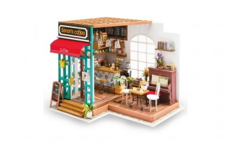 Wooden DIY House - Simon's Coffee